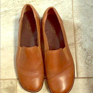 Light brown Clark's